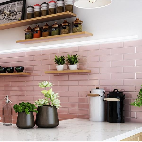 gạch ốp tường màu hồng cho không gian bếp đẹp
